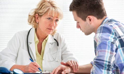 Во время осмотра врач может обнаружить гиперемию слизистых оболочек наружного входа в мочеиспускательный канал, болезненность, наличие выделений