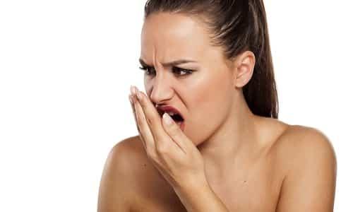 И Метрогил Дента, и Холисал устраняют неприятные запахи изо рта
