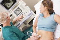 Прохождение УЗИ для определения срока беременности