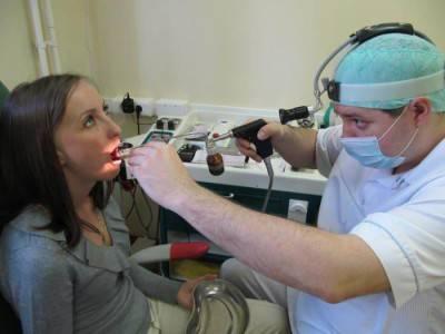 В поликлинике лечим вирусный фарингит