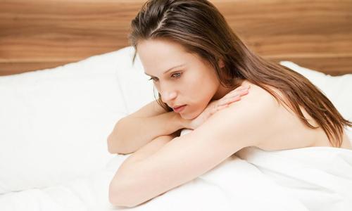 Проблема бело зеленых выделений во время беременности