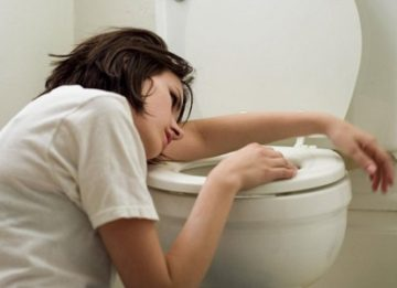 Тошнота и рвота при панкреатите: как избавиться?