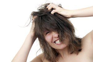 Как избавиться от зуда кожи головы