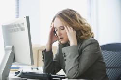 Сильные психологические потрясения как причина задержки месячных на несколько дней