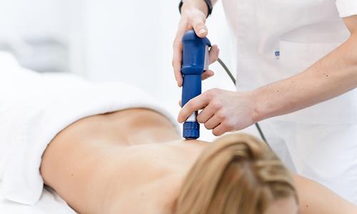 Ударно-волновая терапия грыжи позвоночника относится к консервативным методам лечения заболевания