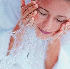 Гигиенические процедуры при поражении лица