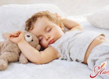 Причины детского храпа и как с ними бороться